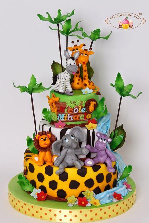 Tort botez Animalute dulci pentru Nicole Mihaela