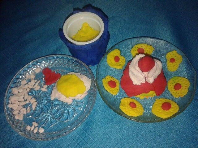 Huevo frito y Tarta de fresa de Carlota