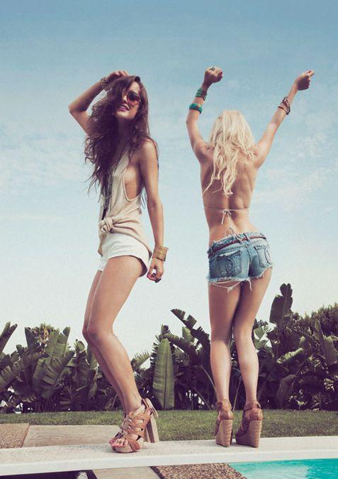 Happy weekend! #fashion #shorts #summer