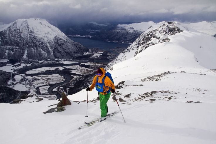 View from Blånebba in Romsdalen/Norway. The pack, Lifjell, is a lightweight and very flexible pack. With its detachable mesh back and top lid, it's perfect for both winter and summer use.  #helsport #lifjell #skitouring #backpack