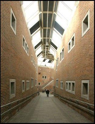 Aalborg Medborgerhus og Bibliotek Indvendige gade