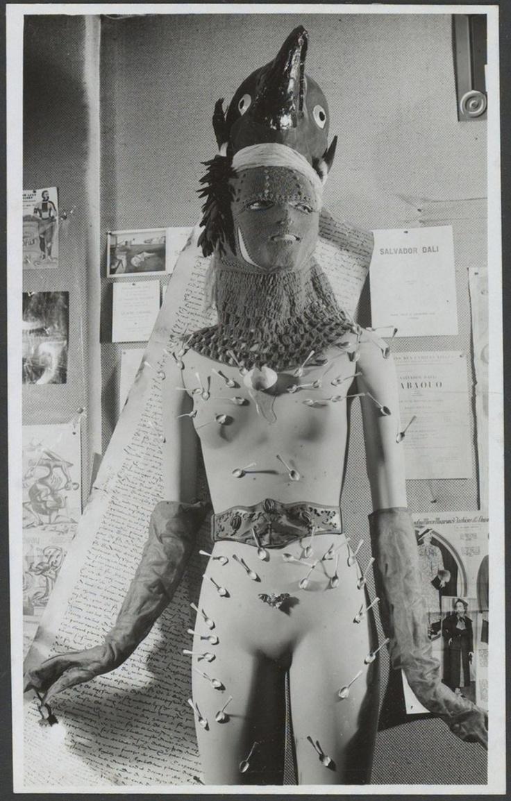 Mannequin de Salvador Dali, photo by Raoul Ubac
