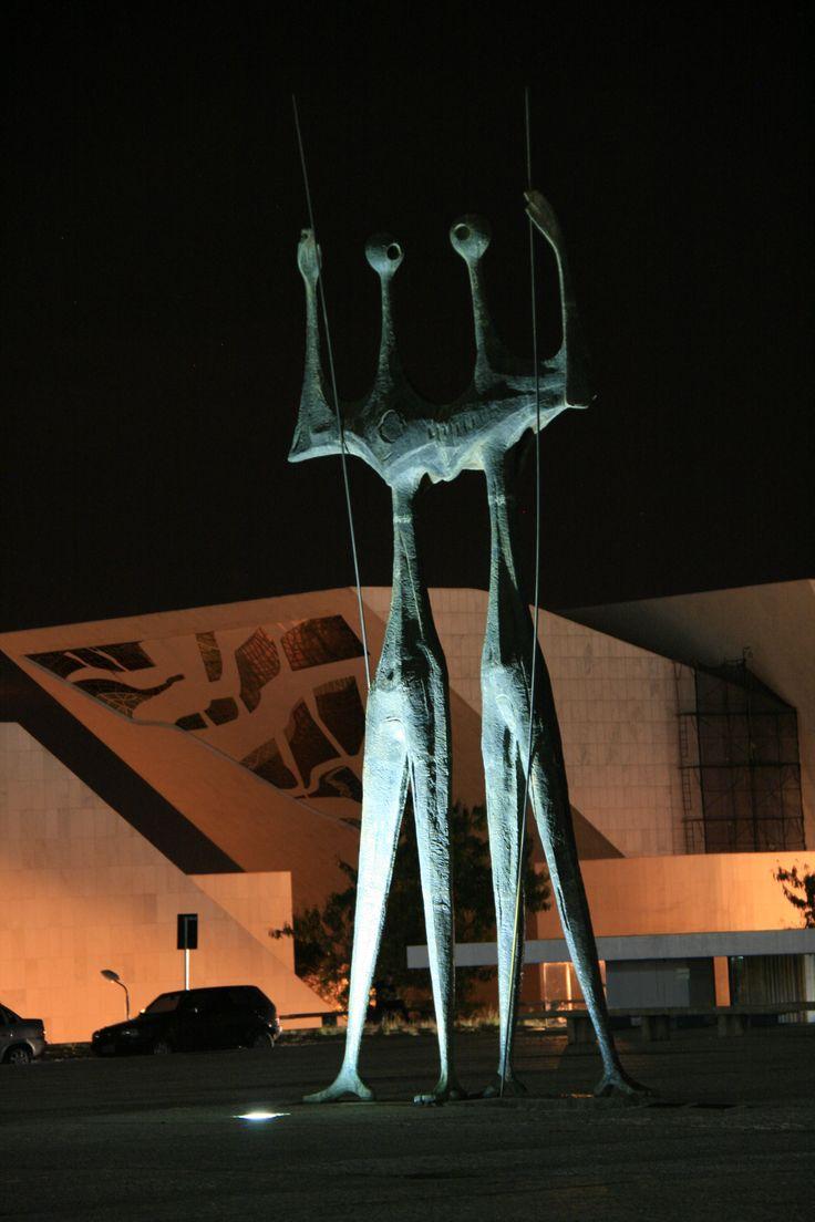 Sculpture 'The Candangos' : 'The Warriors' by Bruno Giorgi | Brasilia : Oscar Niemeyer