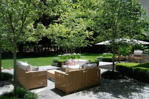 Friday's Favourites: Gallerie B Landscaped garden, outdoor sitting and dining area. Paved entertaining space.