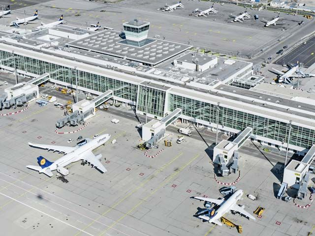 Aéroport de Francfort : 15 personnes blessées dans un accident de bus sur le tarmac