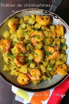 Voici un plat unique à réaliser de toute urgence : la poêlée de christophines aux crevettes de Tatie Maryse. Recette antillaise rapide et facile