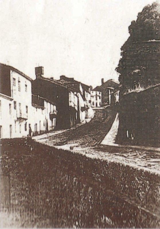 Vista general, desde el oeste, hacia 1900 de la calle Costa Vella.  Fotos antiguas de Santiago