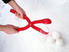 Jul - Snowball Maker, Gå seirende ut av vinterens samtlige snøballkriger!