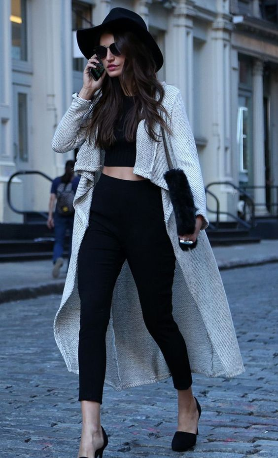drape cardigan and crop top Chic Fall Streetstyle, High Waist, Crop Tops, Fashion Styles, Crop Top Outfits Long Coats, Street Style, Street Fashion Chic Hats, Sexy Black Outfit, Black Long Cardigan Outfit:
