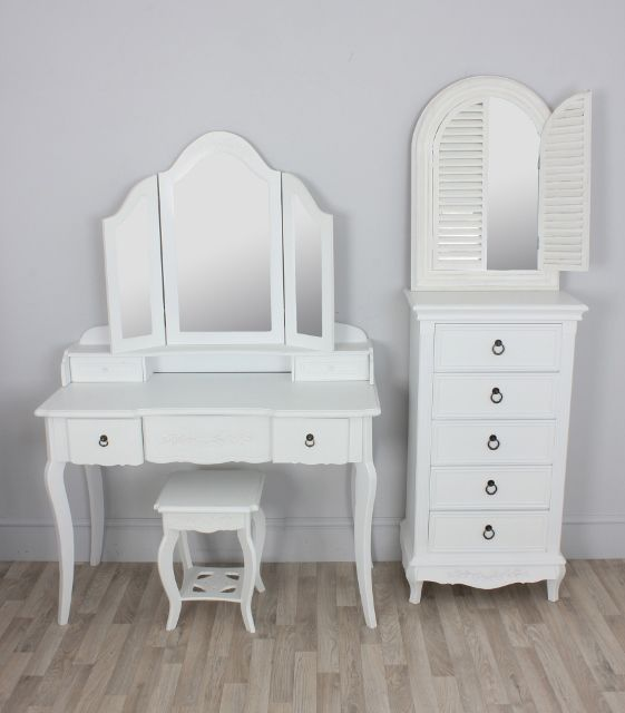 13 best WRM images on Pinterest | Dressing table, Make up vanities ...