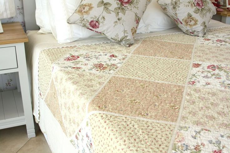 Generously sized quilts suitable for even extra length mattresses.  Available in the following sizes:  Single or 3/4 180x250mm  Double or Queen 230x250mm  Queen or King 260x250mm  King or Super King 280x260mm