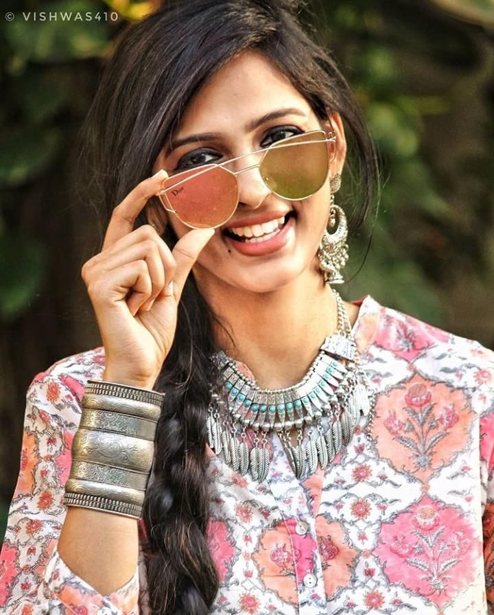 2d3d73cb8 What to Wear at Holi Festival – 16 Best Holi Outfit Ideas | Fashion ...
