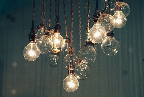rope.: Dining Rooms, Hanging Lights, Lights Fixtures, Trav'Lin Lights, Diy Lights, Holidays Gifts, Bulbs, House, Lights Ideas
