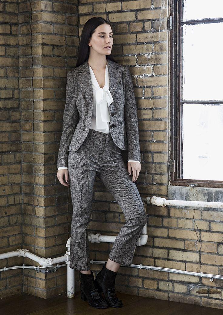 Sky High | Blazer & Hose von DRYKORN, Bluse von 0039 ITALY |  Lady | womenswear | Fashion | premium | grey | silk blouse | PKZ |  buy here --> goo.gl/7nu18H