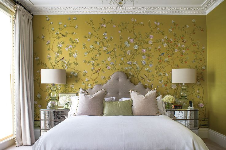 de Gournay for wallpaper: Chatworth in Standard colours on Pea Green dyed silk – Image courtesy of House & Garden, Interior design by Turner Pocock, Photography by Richard Powers