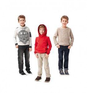 HOODIE En snygg och praktisk hoodie & tröja. Den är superlätt att sy och passar utmärkt med Byxa 9406. Men slutresultatet blir både coolt och snyggt. Svårighetsgrad: Superlätt Storlek: 104-140 cm Mönster SyDax   Allt inom Sömnad