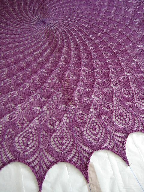 "MMario | ""Queen Anne's Lace Shawl"" (free Ravelry pattern)."