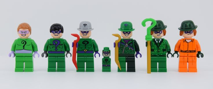 https://flic.kr/p/SGoyvs | Eddie (or Edward) Nashton alias The Riddler | Hi friends it's Alex THELEGOFAN here with all The Riddlers The first one from Classic TV Series appears in the big set 76052 The second one is the first Riddler ever ! In 2 sets : 7785 and 7787 The third is only in the set 6857, I like the torso only ! The cool Microfig Batman Riddler is in the gear (or game) 50003 The Riddler with Dark Green Zipper Outfit 76012 ; This one was my favorite before TLBM Riddler it was…