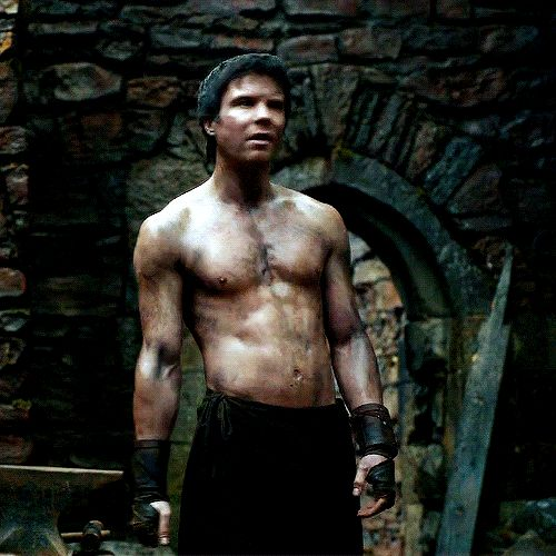 Pin for Later: The Sexiest GIFs of the Sexiest Game of Thrones Guys When Gendry Shows Off His Six-Pack