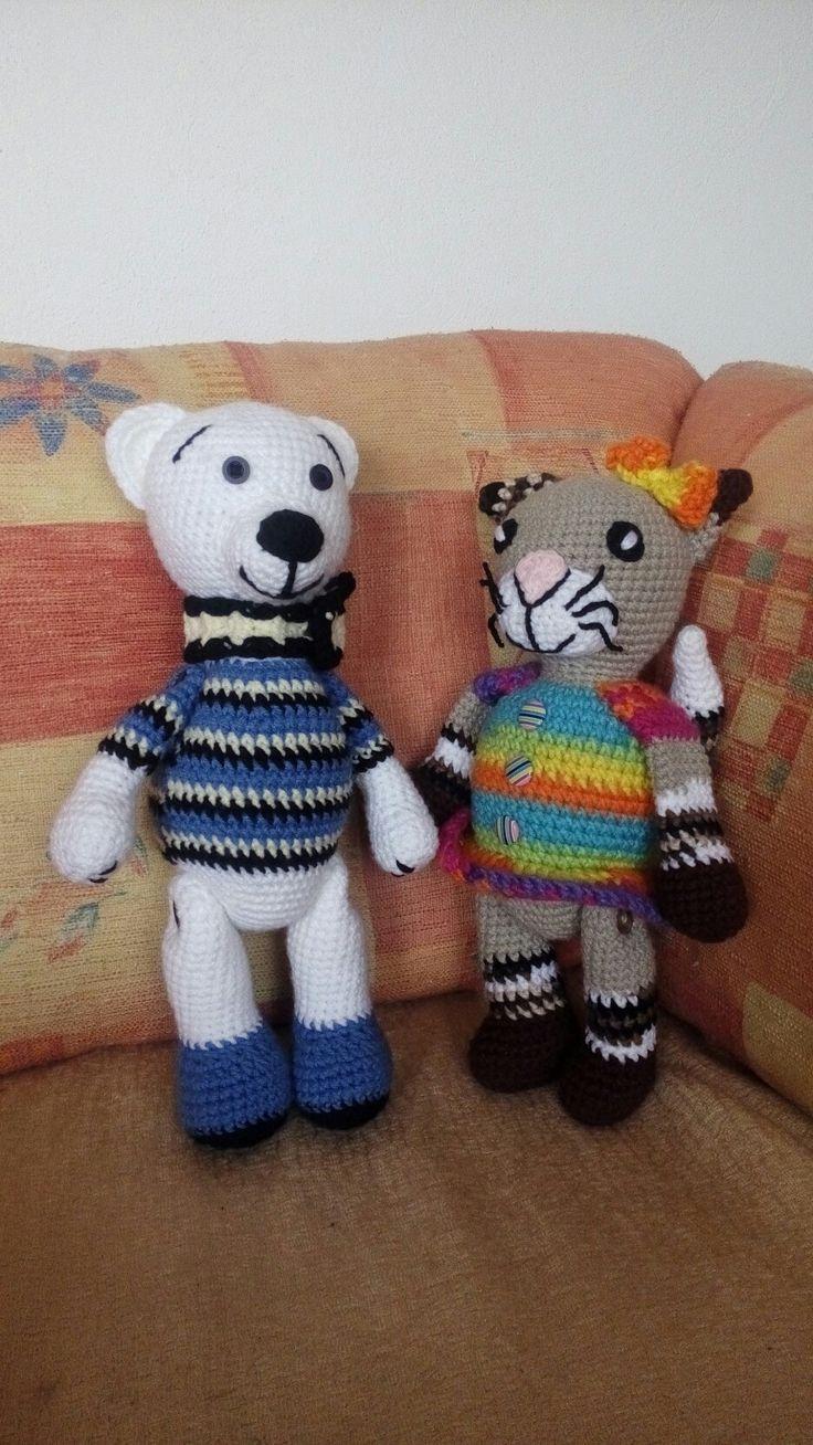 Medvěd lední s kočičkou slečnou