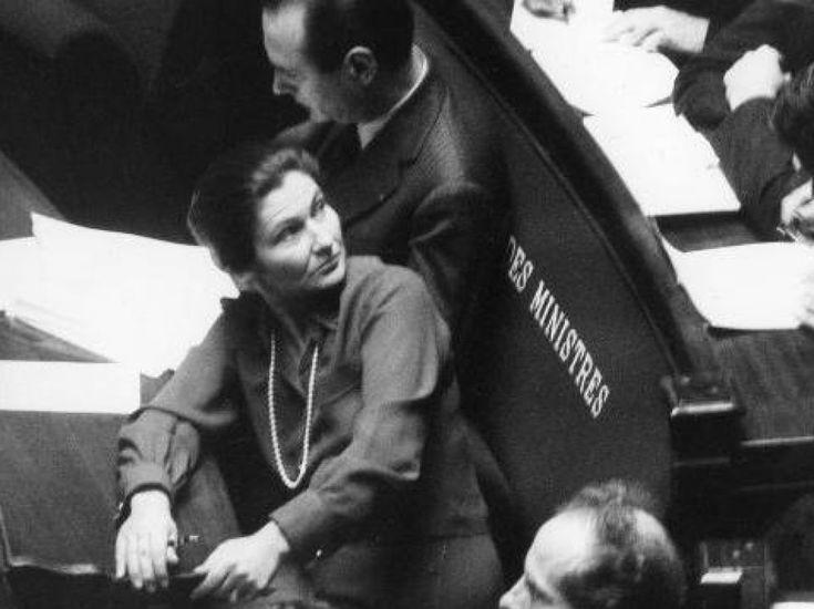 Simone Veil, ministre de la Santé du gouvernement Chirac, en 1975