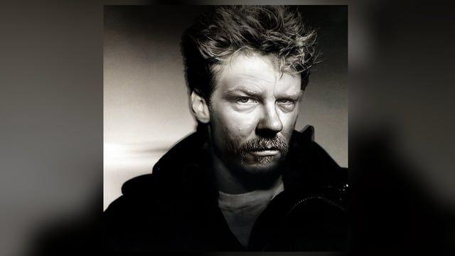 MASHUP: Enter You. Bryan Adams - Run To You, Metallica - Enter Sandman. Mashed by Wax Audio. MP3 available at: https://soundcloud.com/waxaudio/enter-you