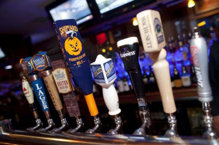 3. The Four's Restaurant & Sports Bar (Boston) from America's Best Sports Bars