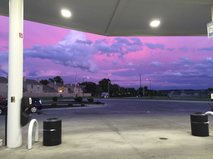 "studyblr-bri: "" mixtape-melodies: "" carnations-loyalty: "" The sky was a painting tonight. "" This is it. Sky pictures taken at gas stations are my aesthetic. "" This is like a dream I had but can't..."