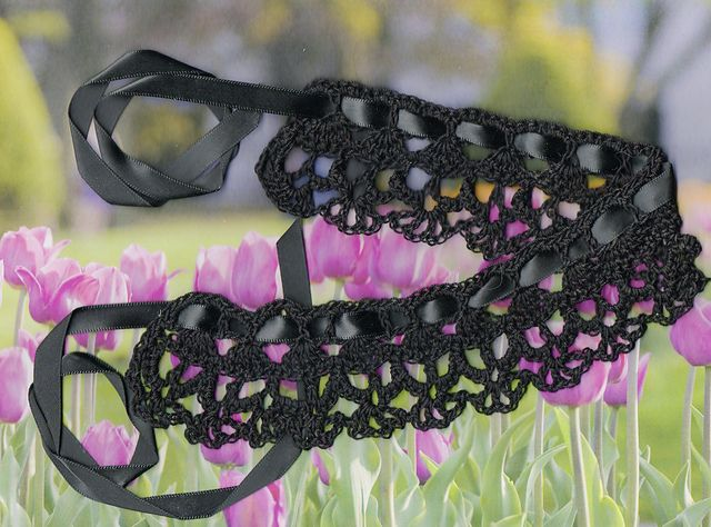 Ravelry: Tiny Skulls Crochet Bracelet, Choker, Headband, or Edging pattern by Spider Mambo