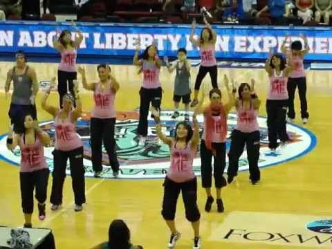 EASY & FUN! - The pregnant girl in the front in totally inspiring! :)