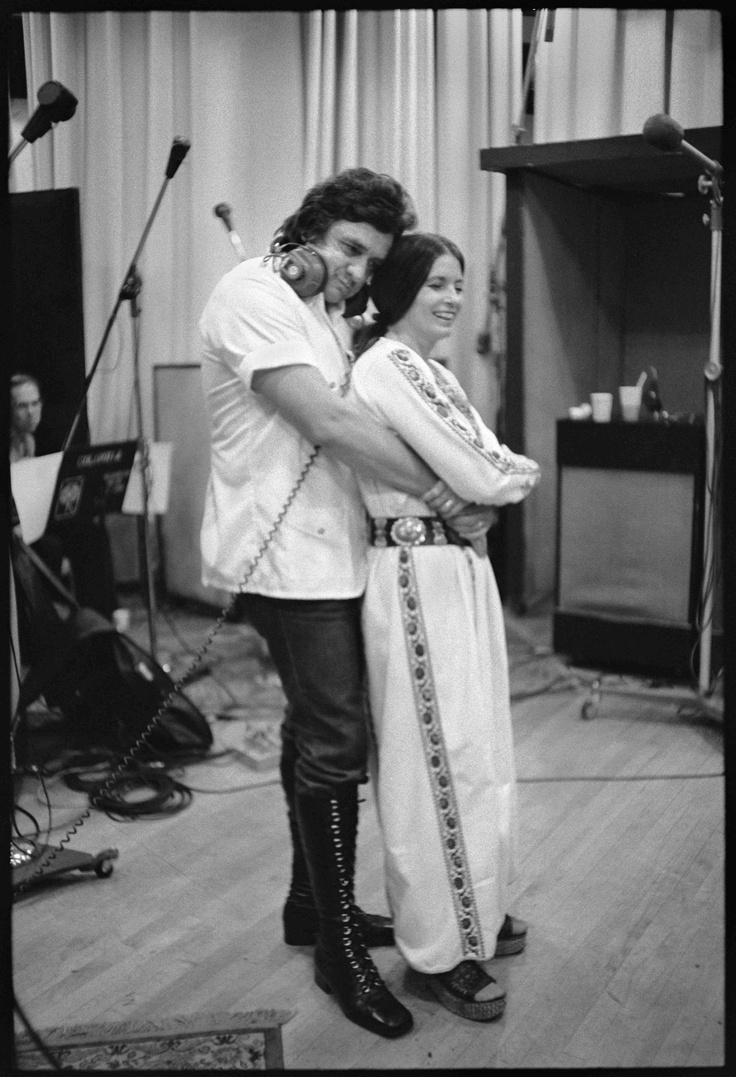 Johnny cash and june carter young for Pictures of johnny cash and june carter