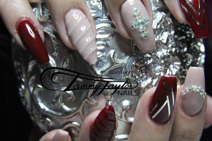 #tammytaylor #burgundy #nude #unicornnails #style #fashion #coffin #glitter #glam