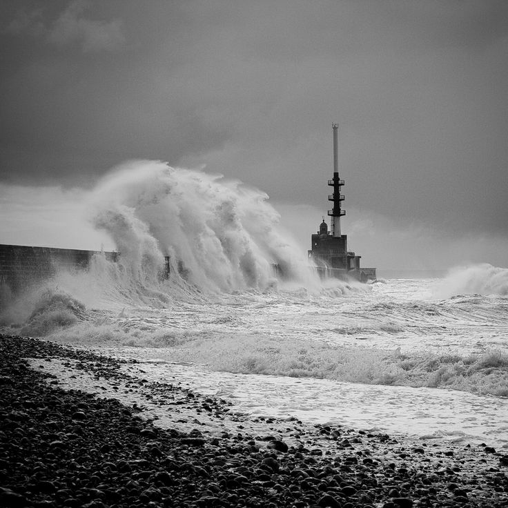 Le Havre - Waves by Mickaël LIBLIN, via 500px