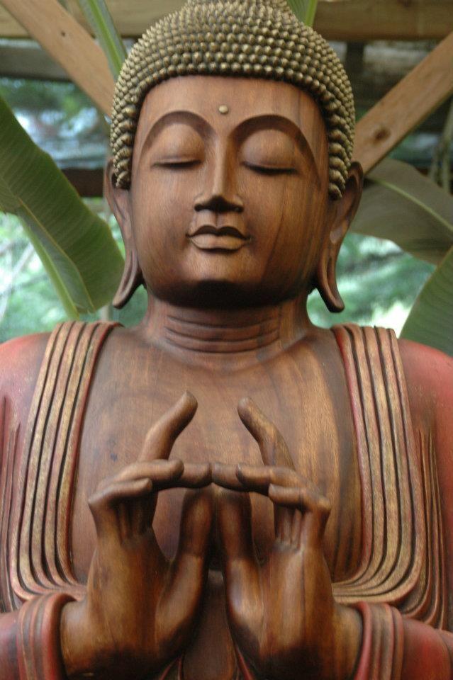"""""""With our thoughts we make the world."""" ― The Buddha      """"Com os nossos pensamentos nós fazemos o mundo."""""""