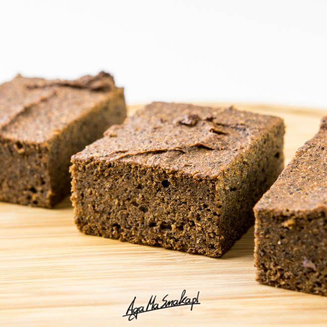 Sweet potato brownie w/ poppy seeds