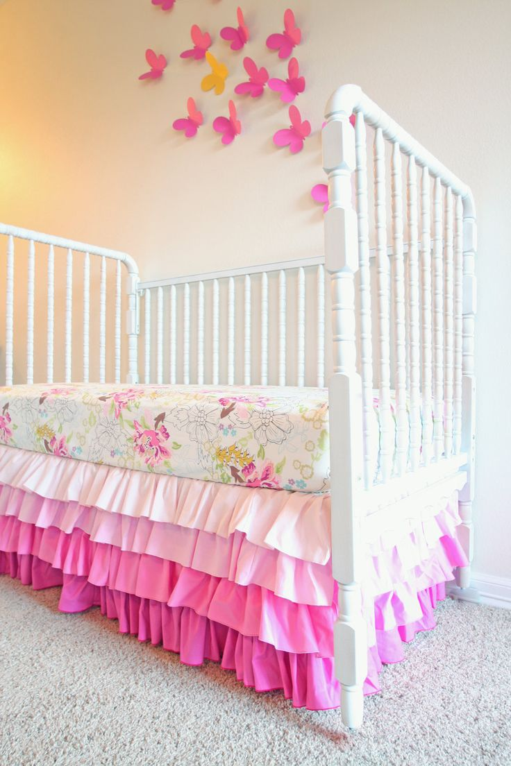 Need a pink ombre crib skirt like this!!    (Original source: http://www.etsy.com/listing/109059782/designer-bumperless-sweet-pink-crib-2#)