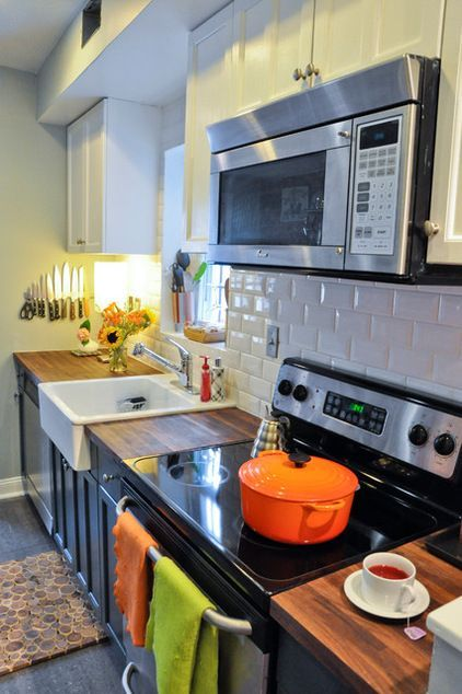 Love the dark grey cabinets underneath the white on top for Countertop liquidators