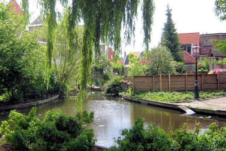 Door de vele waterwegen en bruggen wordt Borculo wel het Venetië van de Achterhoek genoemd.
