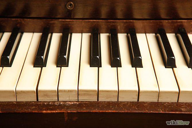 Aprende a aprender a tocar piano por tu cuenta vía es.wikihow.com