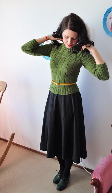 Fall Into Fashion/ Beautifully Modest Dress Review | Deep Roots at Home
