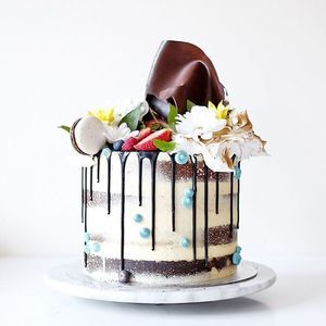 179 best Drip cakes images on Pinterest Drip cakes Cake