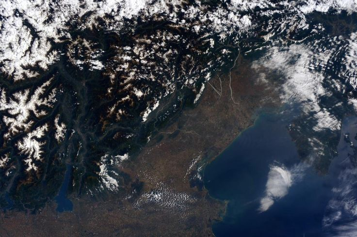 (IT)  Un giorno quasi senza nuvole questo martedì sul nord est dell'Italia.