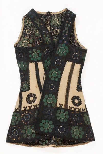 costume with sigouni (sleeveless woollen coat) from Corinthia