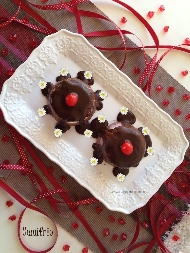 Semifrio de Chocolate e Doce de Cereja / Chocolate Bavaroise with Cherry Jam