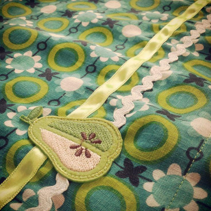 Groen retro lakentje met peer
