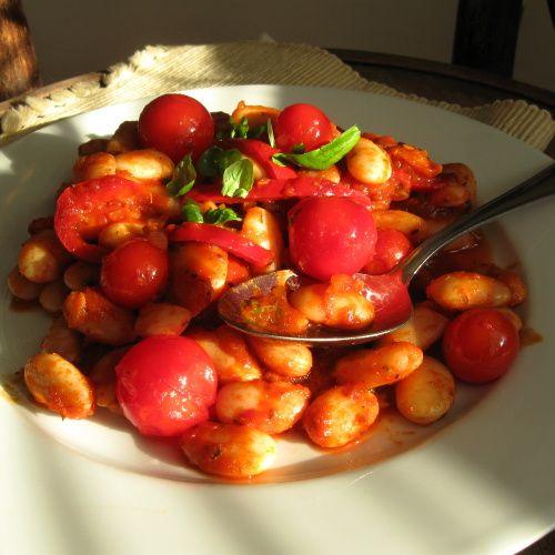 Ďábelské fazole s rajčaty a chilli papričkami
