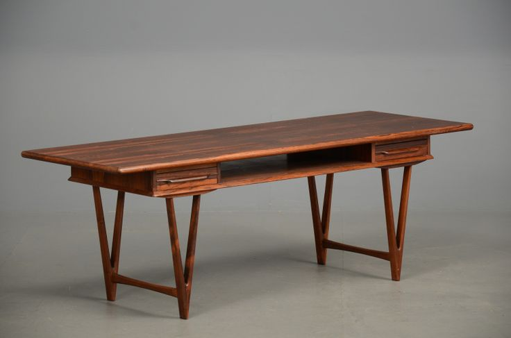 E W Back rosewood sofa table. #Danishdesign Absolutely stunning piece and its arriving at Vampt right now.
