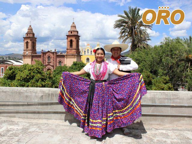 LAS MEJORES RUTAS DE AUTOBUSES. El Jarabe Mixteco es un baile folclórico tradicional de la mixteca oaxaqueña, nacido en el municipio de Huajuapan de León, es representado año con año en la gran fiesta de la Guelaguetza y es ícono cultural de esta ciudad. En Autobuses Oro le trasladamos a esta bella ciudad, ofreciéndole nuestros servicios de lujo GT y ST, para que disfrute un viaje placentero. #autobusesparahuajuapan