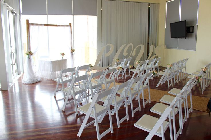Waves on the Beach Frankston Wedding and Corporate Events. Melbourne Wedding DJ, Wedding Live Band, Acoustic Duo, Master of Ceremonies and Dancer Studio.