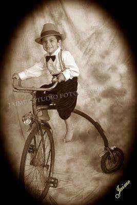 Feliz en mi bici antigua